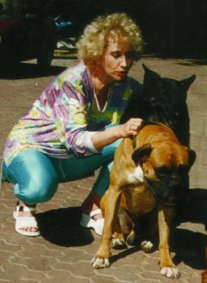 Ирина Аллегрова с питомцами
