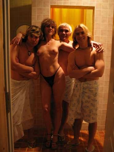 Группа На-На и Бари Алибасов с проститутками в сауне