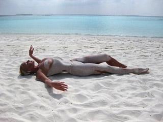 Волочкова нарушила закон, сделав обнаженные фото на Мальдивах (Фото)