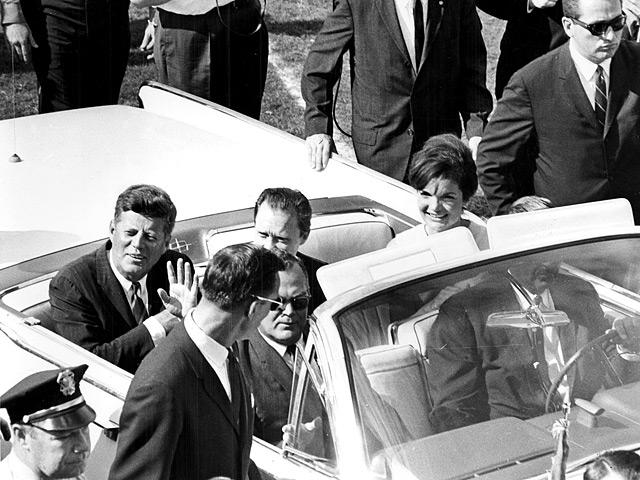 """Секретное досье КГБ на """"убийцу Кеннеди"""" показало его жизнь в Минске через глазок в стене"""