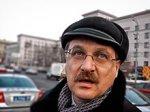 """Единоросс попался на разделительной полосе: """"Да вы че! Я неприкосновенное лицо"""" (Видео)"""
