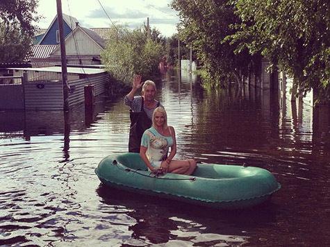 Скандал с фотосессией Волочковой: балерина лишь хотела привлечь внимание к зоне наводнения